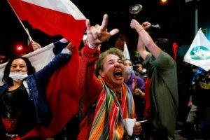 10/30 智利成功推動修憲公投,獨裁與經濟的矛與盾