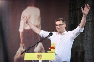 6/11 匈牙利總理太親中,首都市長乾脆把路名改成「自由香港路」