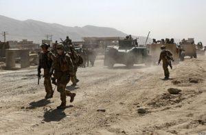 8/27 快訊!阿富汗喀布爾機場遭自殺炸彈客攻擊,至少60死