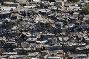 8/20 大地震後又來暴風雨,人們已經陷入「海地疲勞」